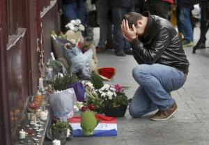 Paris man mourning ibtimes