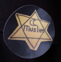 yellow star with Muslim and crescent