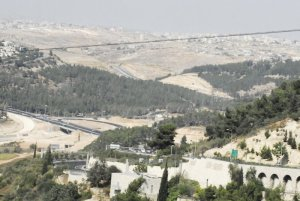 Israeli countryside, road to Jerusalem ronnaliyah.blogspot.com
