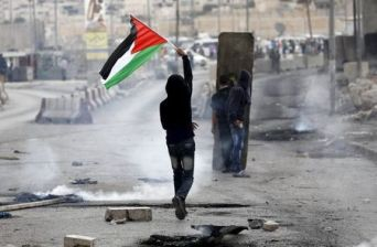 palestinian-flag-with-lone-man-in-demo