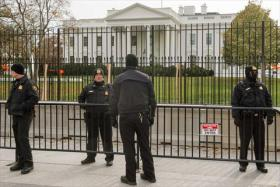 Secret Service agents in front of White House